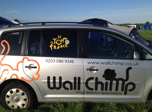 wall-chimp-van
